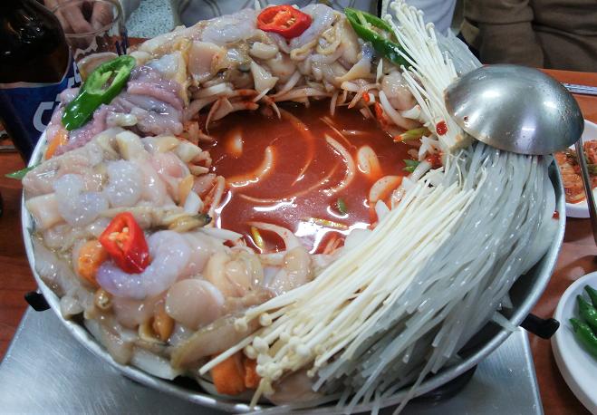 Pot dish with plenty of seafood