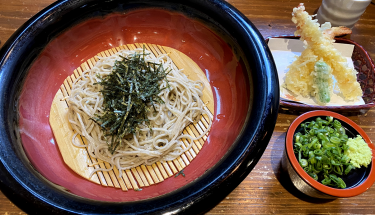 """Udon and soba famous restaurant """"Shungetsuan""""~老舗製麺工場直営店の蕎麦・うどん店「春月庵」"""